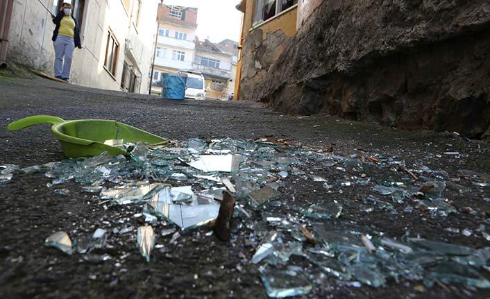 Trabzon'da yol inşaatında patlatılan dinamit evlere zarar verdi