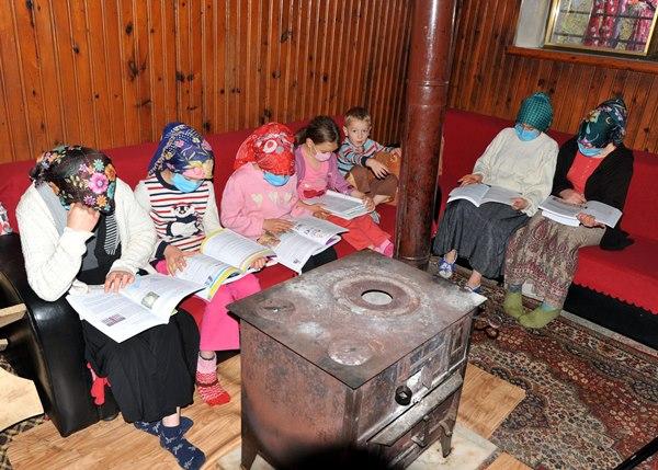 Trabzon'da 7 kardeşin uzaktan eğitim azmi