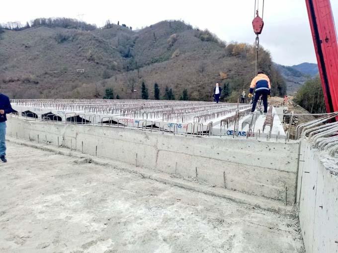 Giresun'da selde yıkılan köprüde son durum