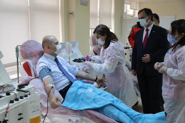 Bakan Soylu immün plazma bağışı yaptı