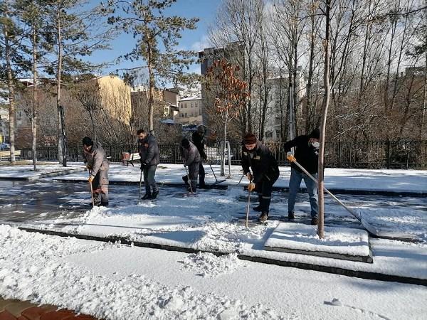 Bayburt'ta karla mücadele