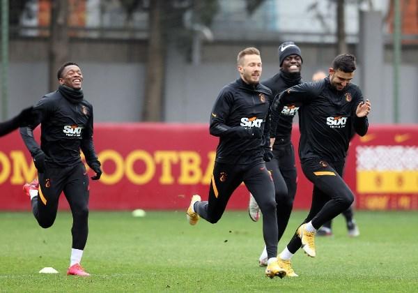 Trabzonspor'un rakibi Galatasaray'a son durum