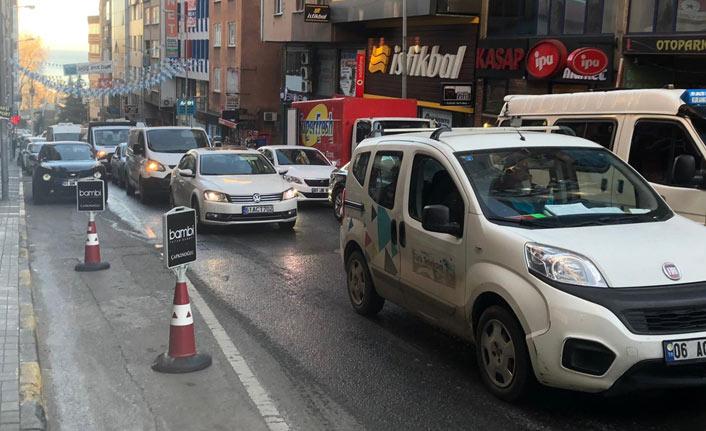 Trabzon'da yolda çökme meydana geldi