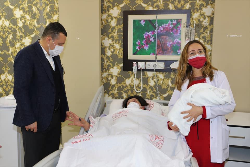 Trabzon'da 2021'in ilk bebeği