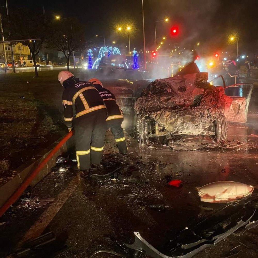 Ordu'da zincirleme kazada yanan otomobilde hayatını kaybetti! Bakın kim çıktı