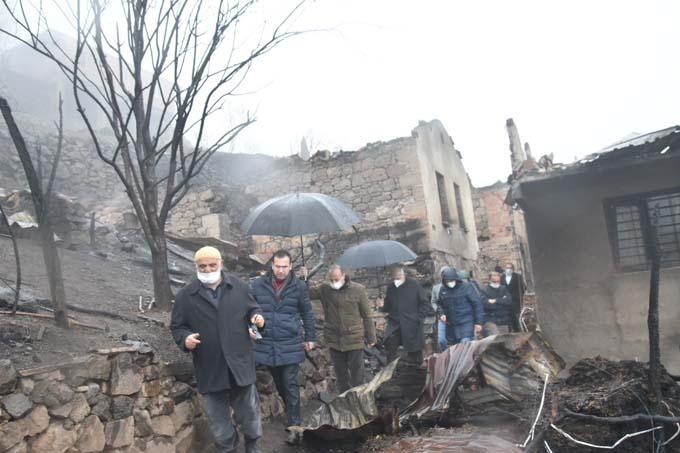 Salih Cora Araklı'da yangın bölgesinde