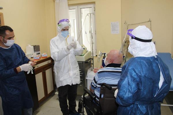 İBB'nin yaş almış misafirleri aşılandı