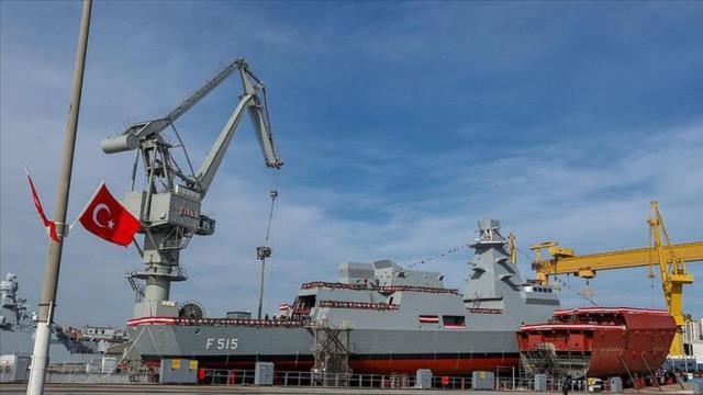 İlk milli fırkateyn İstanbul denize indirildi