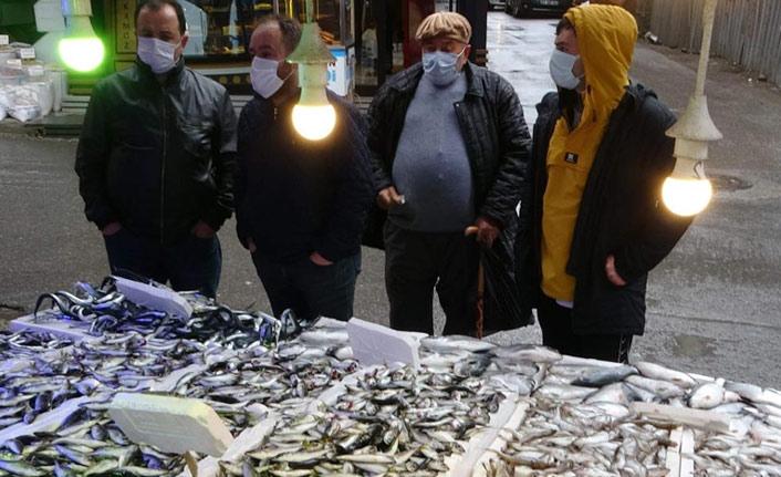 Trabzon'da balıkçıların tesellisi istavrit