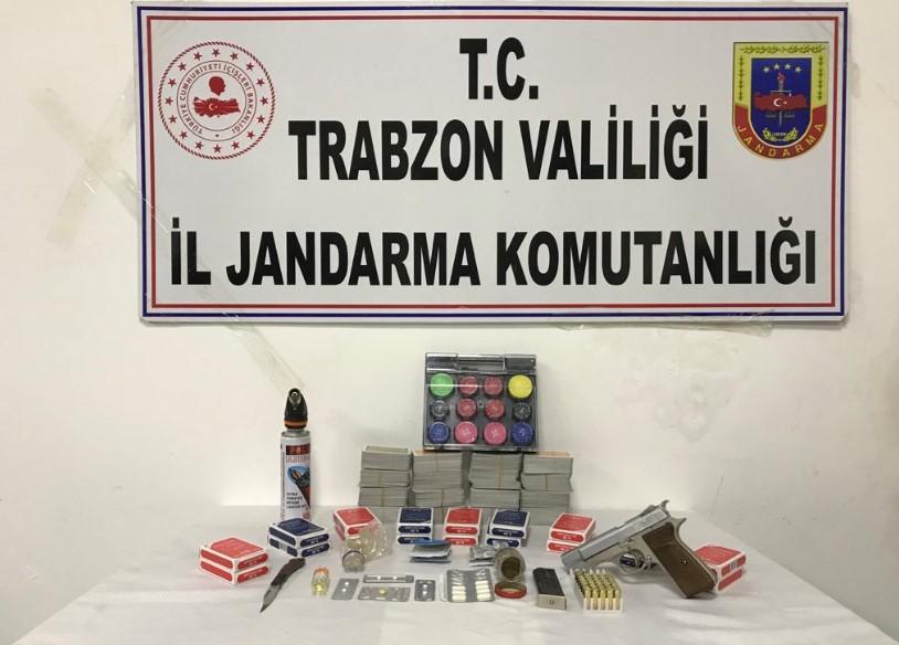 Trabzon'da jandarmadan baskın! Fuhuş, Kumar, uyuşturucu ne ararsan var