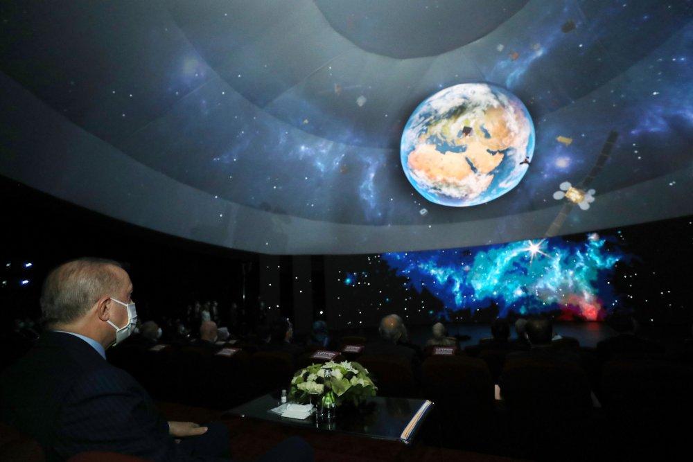"""Türkiye'nin Milli Uzay Programı tanıtıldı! """"2023'te Aya gidiyoruz"""""""