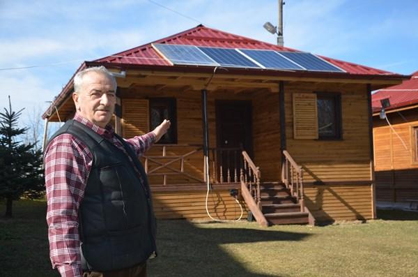 Ordu'da evine kurduğu sistemle 15 yıldır elektriğe para vermiyor