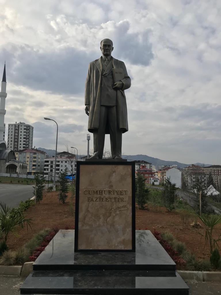 Yıl 2021 hala Atatürk tartışması