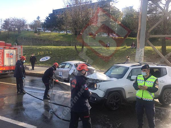 Trabzon'da cip ile otomobil birbirine girdi