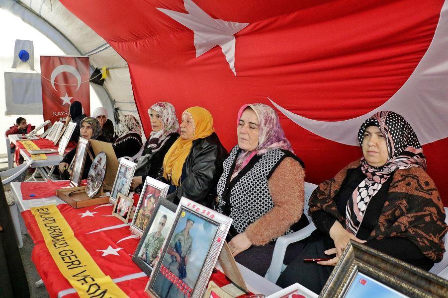 """""""Evlat nöbetinden asla geri dönmeyeyiz PKK'yı biz bitireceğiz"""""""