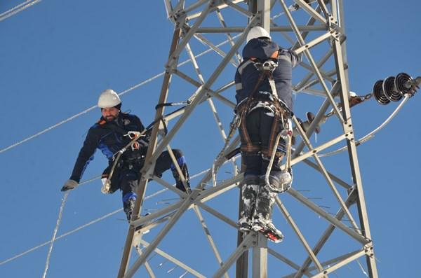 Ordu'da elektrik arıza ekiplerinin zorlu mücadelesi
