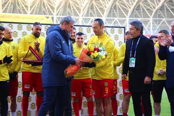 Eski Trabzonsporlu Süper Lig tarihine geçti