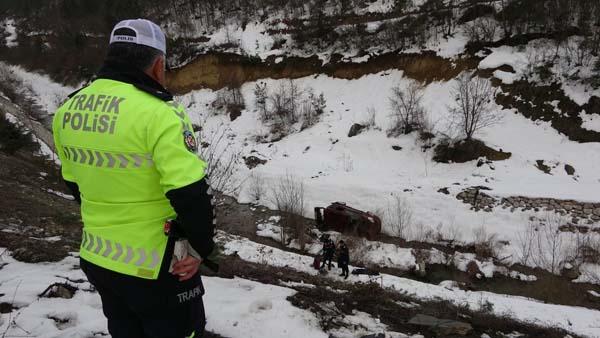 Trabzon'a gelirken kaza! 50 metrelik uçuruma yuvarlandı