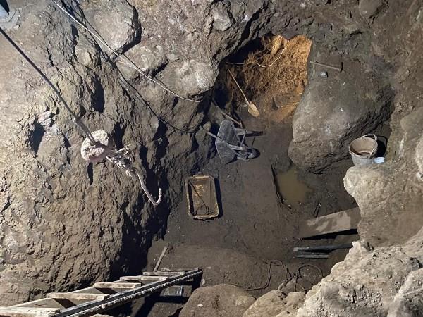 Gümüşhane'de definecilere suçüstü: Evin altında 12 metre derinliğinde tünel açtılar
