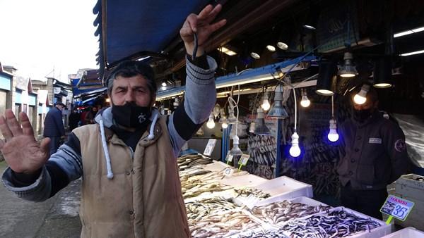 Trabzon'da yerli hamsi el yakıyor