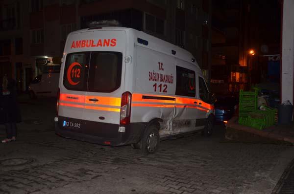 Ordu'da ambulans ile ticari taksi çarpıştı: 1 yaralı