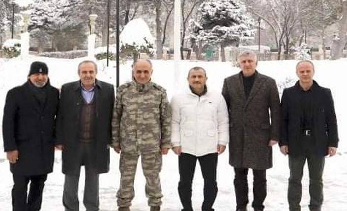 Trabzon'da belediye başkanından Korgenerale duygusal veda