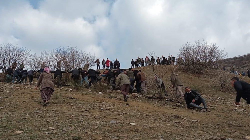 Öğrencileri taşıyan minibüs uçuruma yuvarlandı: 2 ölü, 22 yaralı