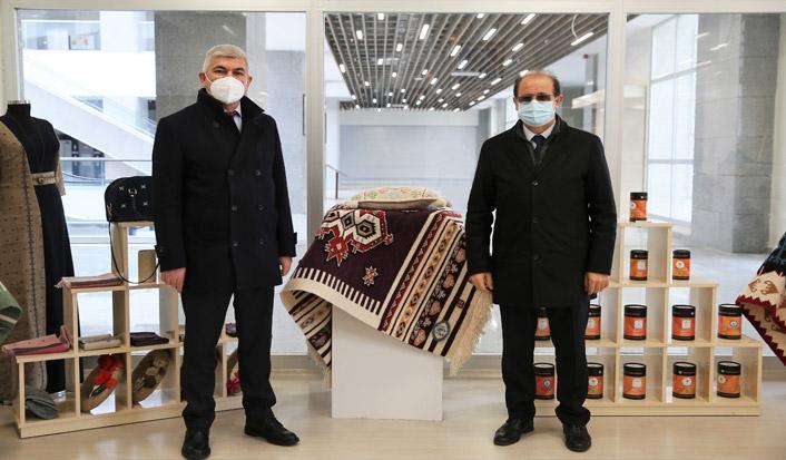 Cumhurbaşkanlığı Kütüphaneler Daire Başkanı Ayhan Tuğlu'dan makamda ziyaret
