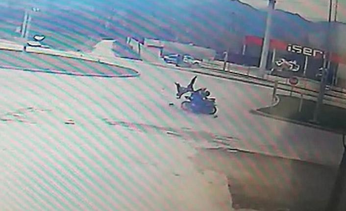 Bisiklete çarpan motosiklet can aldı
