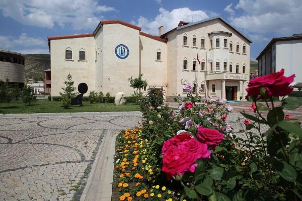 Bayburt Üniversitesi büyümeye devam ediyor