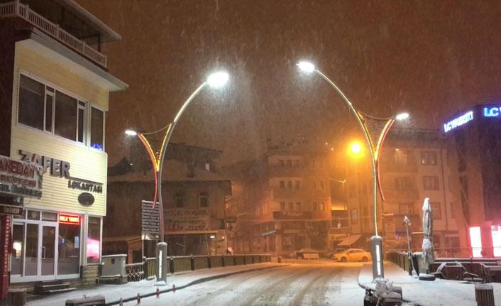 Karadeniz'de kar esareti başladı