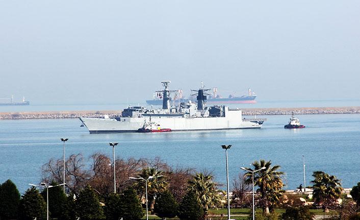 Samsun'a çıkarma! Üç savaş gemisi limana demirledi