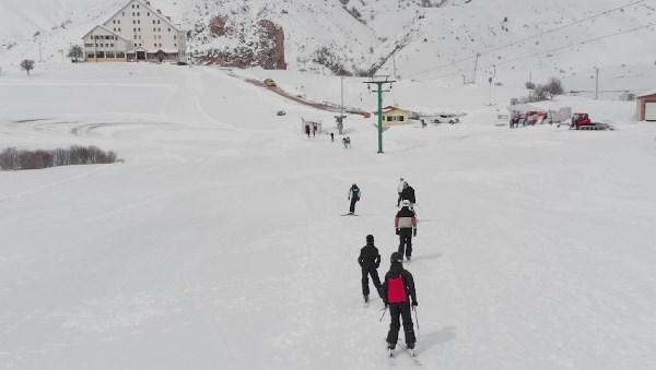 Kop'da kayak sezonu 1 ay daha uzadı