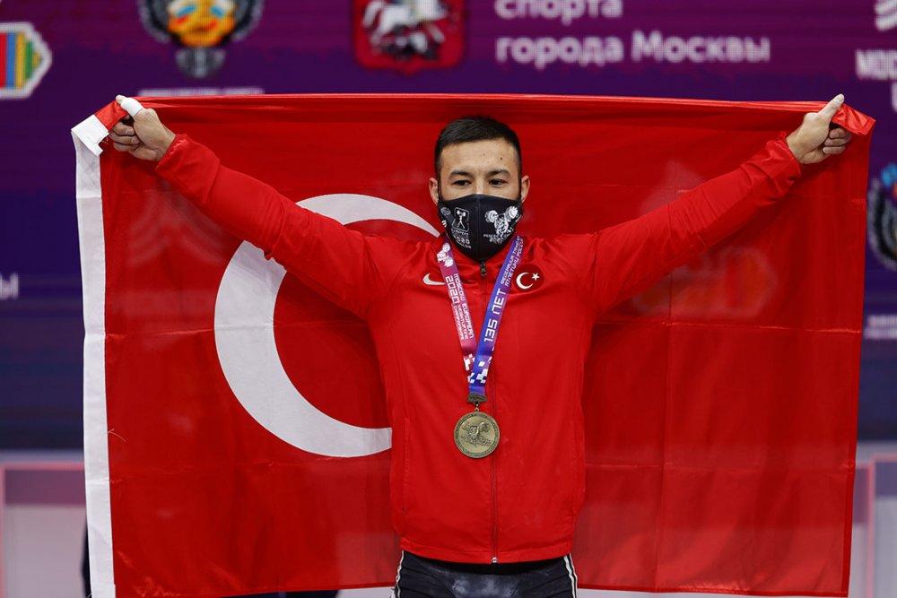 Milli halterci Daniyar İsmayilov, Avrupa şampiyonu oldu