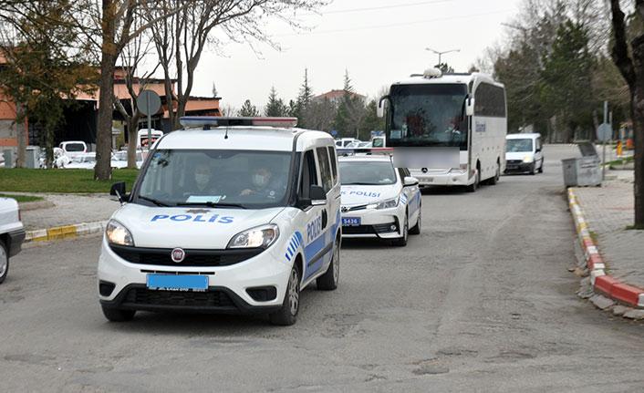 Bir yolcunun testi pozitif çıktı, tüm otobüs karantinaya alındı!