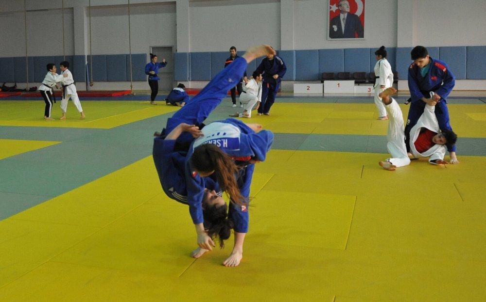 Trabzon Judo takımı Türkiye Şampiyonasına hazırlanıyor