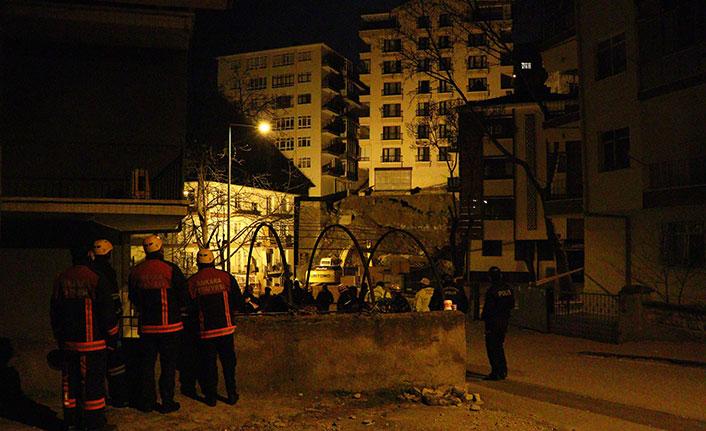 İnşaat çalışmasında apartmanın temeli kaydı, 21 bina boşaltıldı