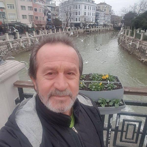3 kardeş 15 gün arayla Kovid-19'dan hayatını kaybetti