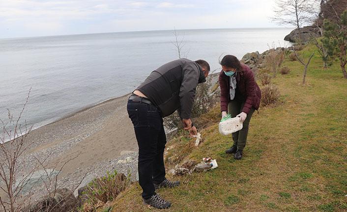 Trabzon sahilinde maske ve atık temizliği yapıldı