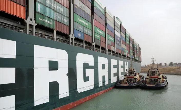 Süveyş kanalını tıkayan gemiyle ilgili yeni gelişme!