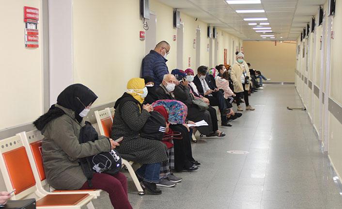 Rize'de 'Zorunlu olmadıkça hastanelere başvurmayın' uyarısı yapıldı