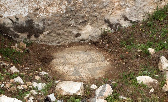 Roma dönemi antik kenti defineciler talan etti