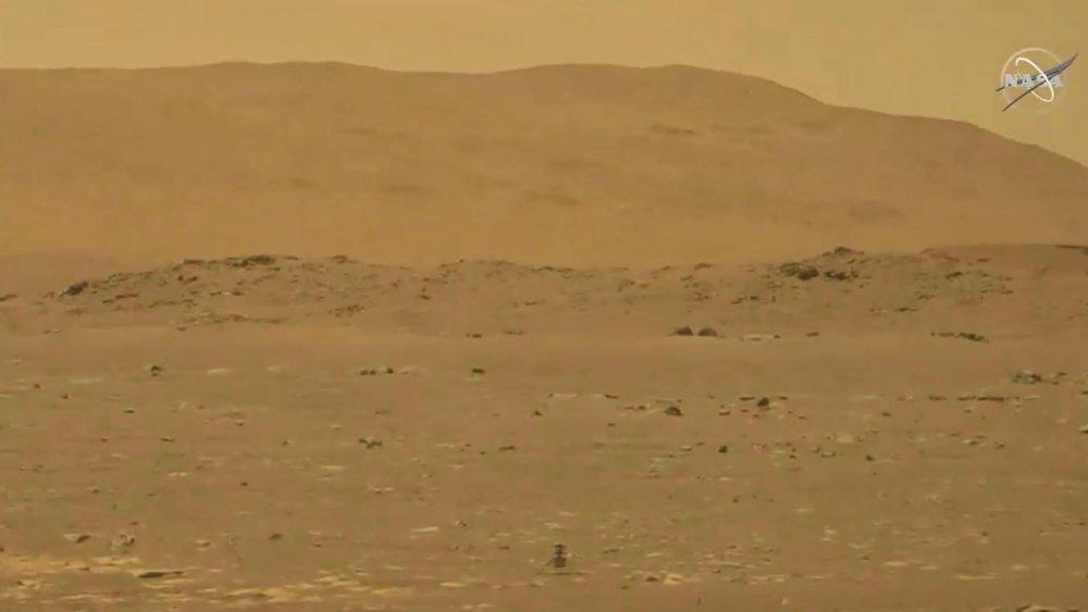 NASA Mars'ta minyatür helikopter uçurmayı başardı