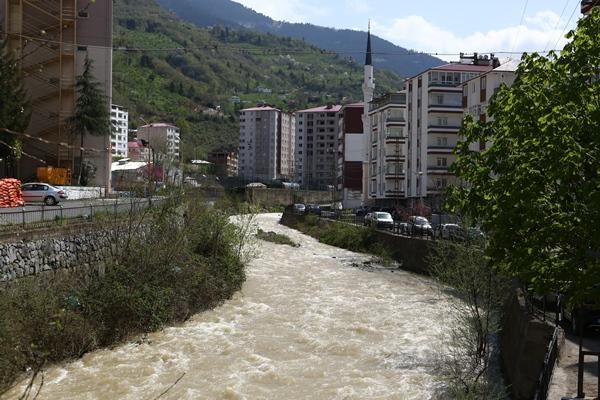 "Trabzon'da tren vagonundan ""Gönül Köprüsü"""