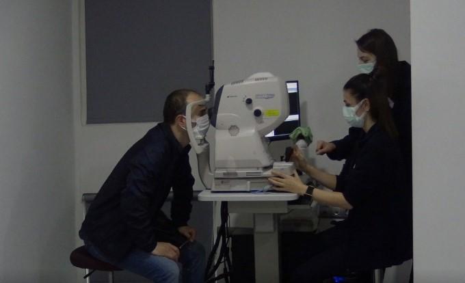 Gözlük atma ameliyatı kimlere yapılır?
