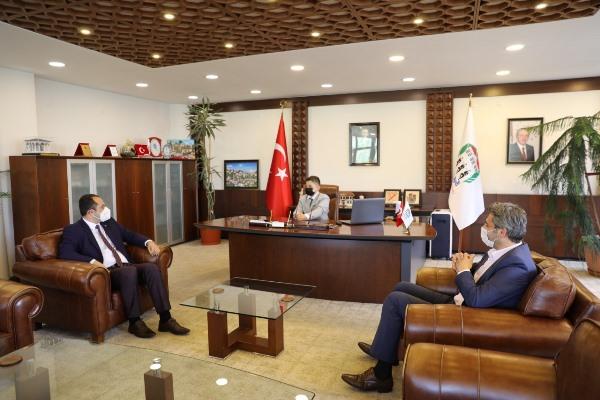 Trabzon'da 23 Nisan çocukları makam koltuğunda
