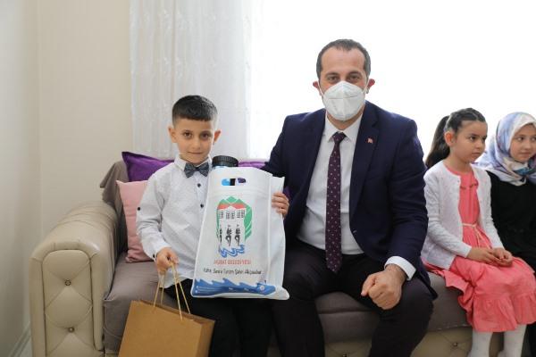 Başkan Ekim'den 23 Nisan'da Doğum Günü Sürprizi