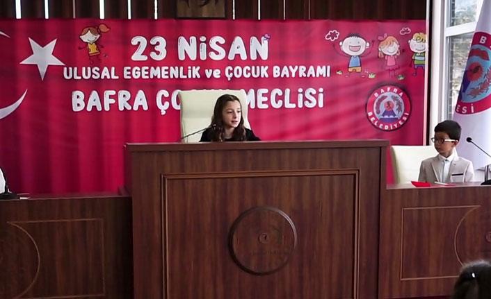 23 Nisan balkonlardan meclise taşındı