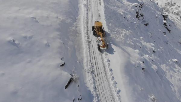 Bayburt'ta Nisan ayında kar mücadelesi