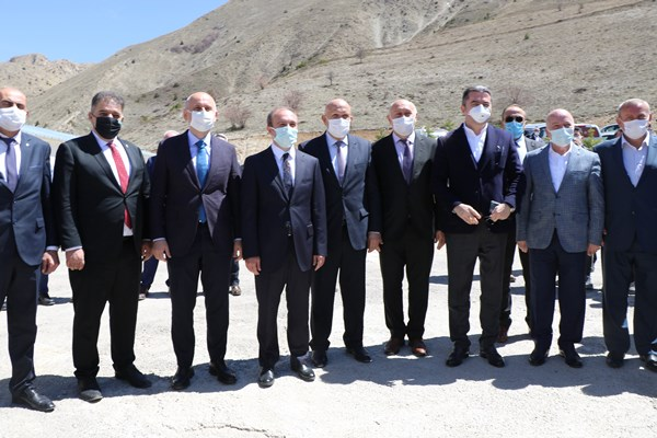 Bakan Karaismailoğlu Bayburt'ta! Kop Dağı Tünelini inceledi